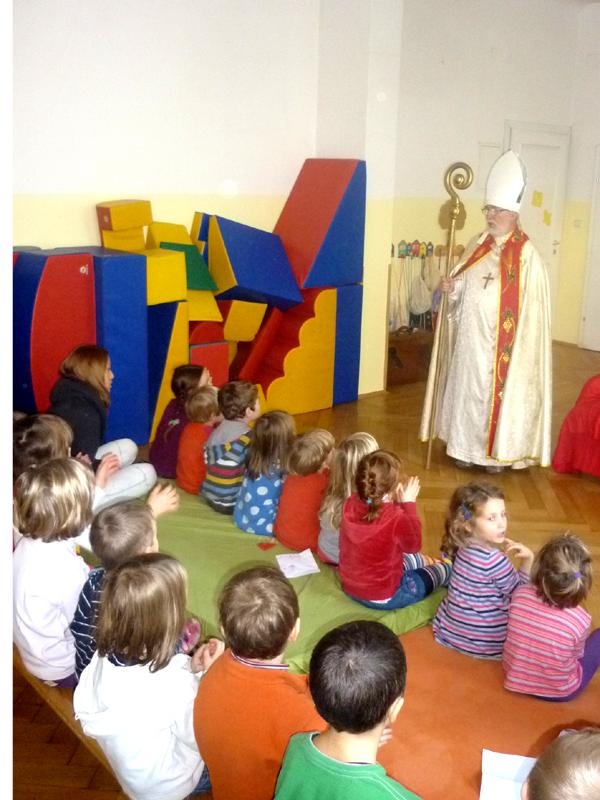Foto: Nikolausbesuch im Kindergarten