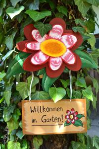 foto-gartendeko-holzblumenschild